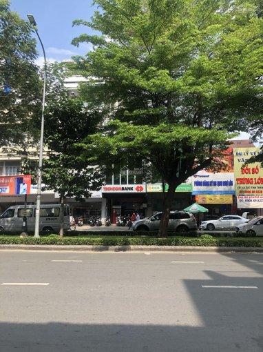 Bán nhà 8 x 17m, đường Bàu Cát, P.14, Tân Bình; vị trí đẹp; giá chỉ 20 tỷ