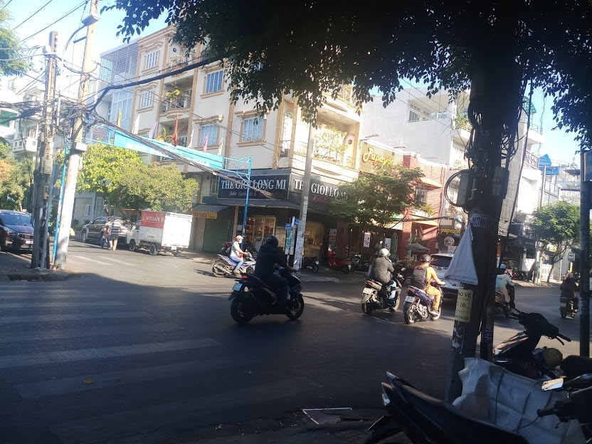 Bán nhà mặt tiền Bàu Cát 1, Phường 14, Tân Bình; 4x16m, 3 lầu, giá chỉ 12 tỷ