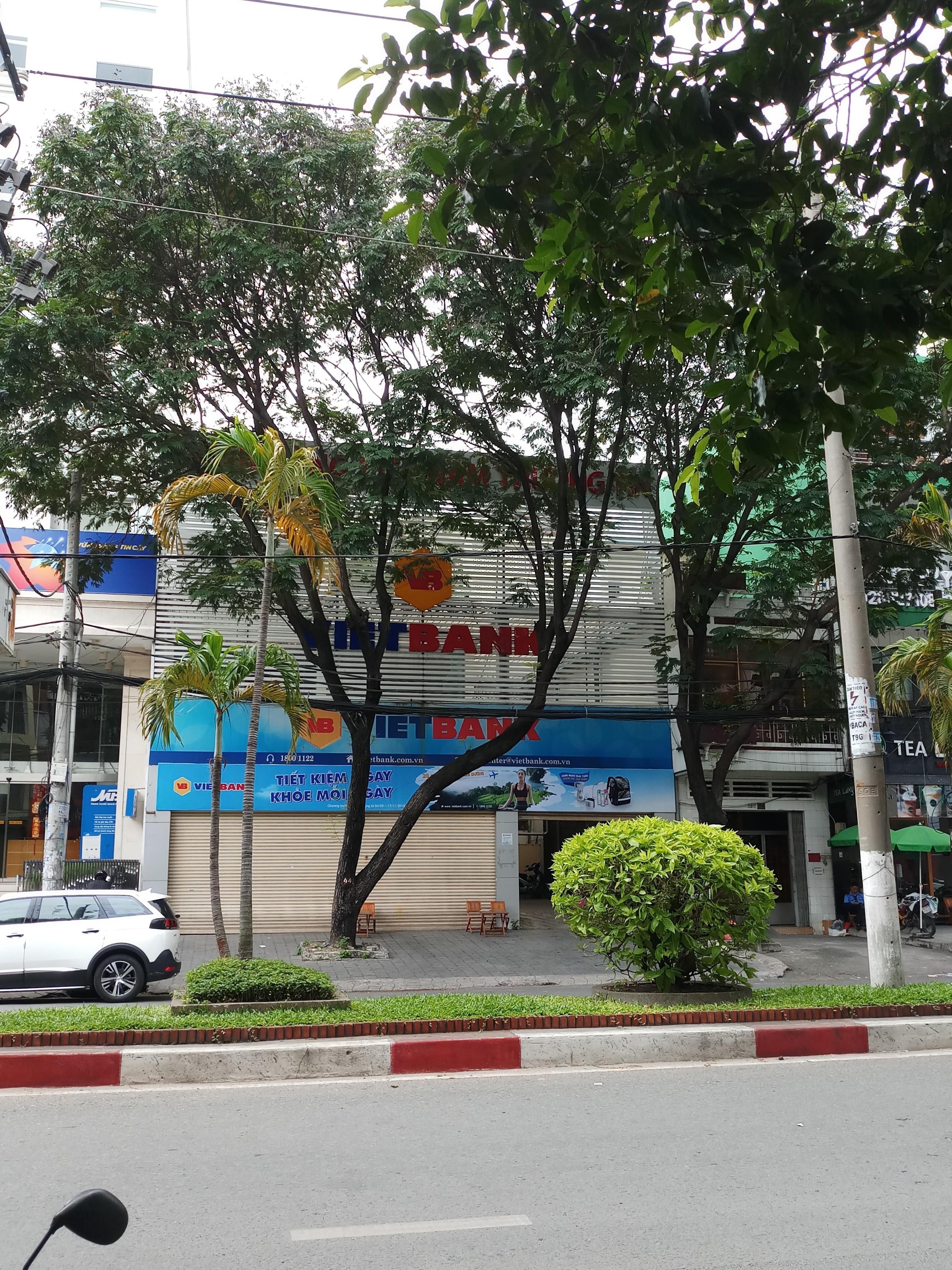 Cho thuê nguyên căn MT 30m Bàu Cát Đôi, DT: 4 x 18m, 3 lầu, giá 50 tr/tháng