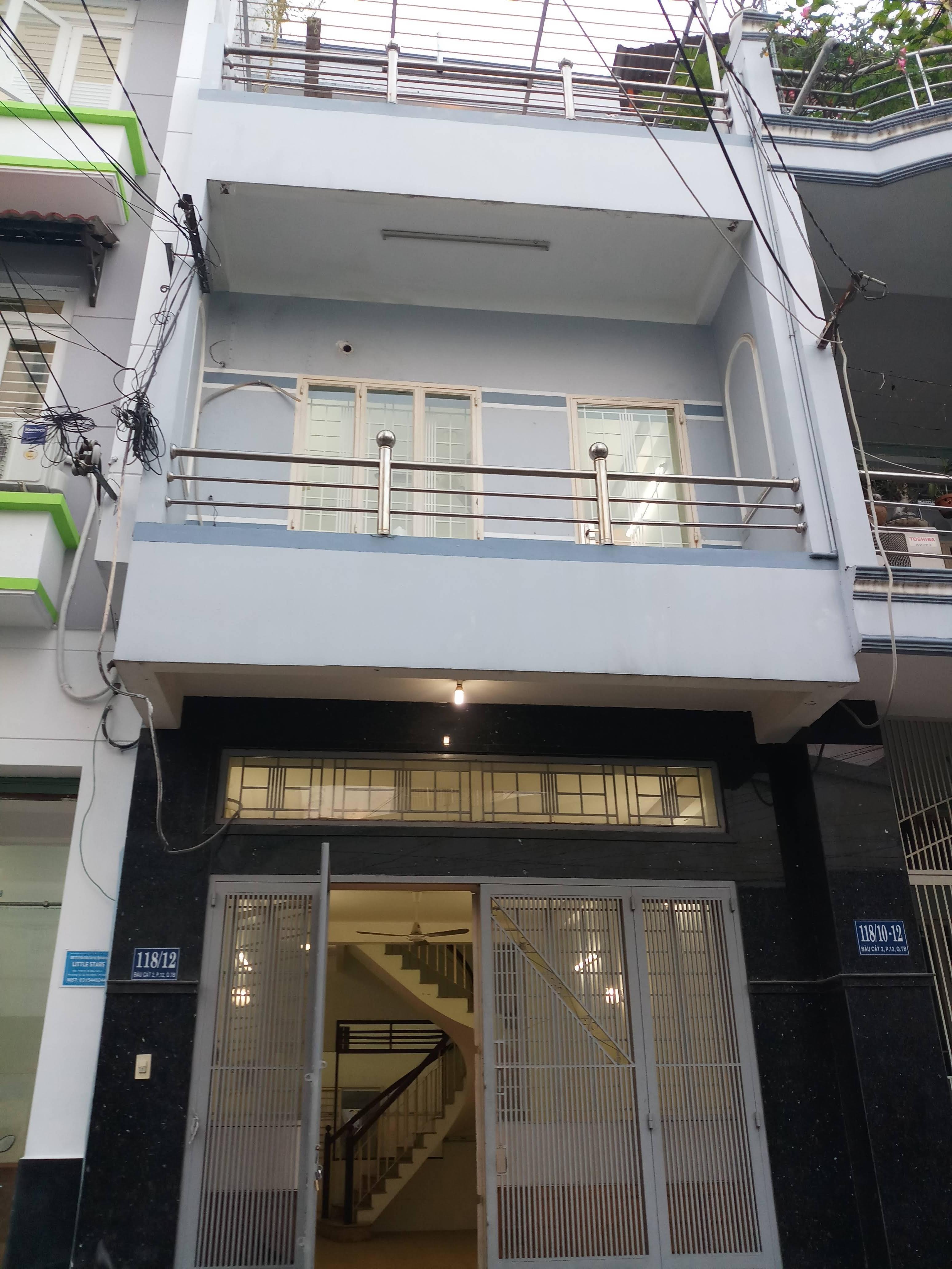 Cho thuê nhà mặt tiền Phan Sào Nam; 4,2 x 11m, trệt, 2 lầu, tiện kinh doanh - giá 18tr